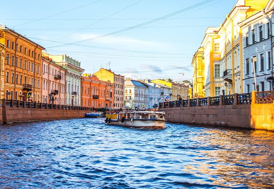 АКЦИЯ — экскурсия по рекам и каналам Петербурга